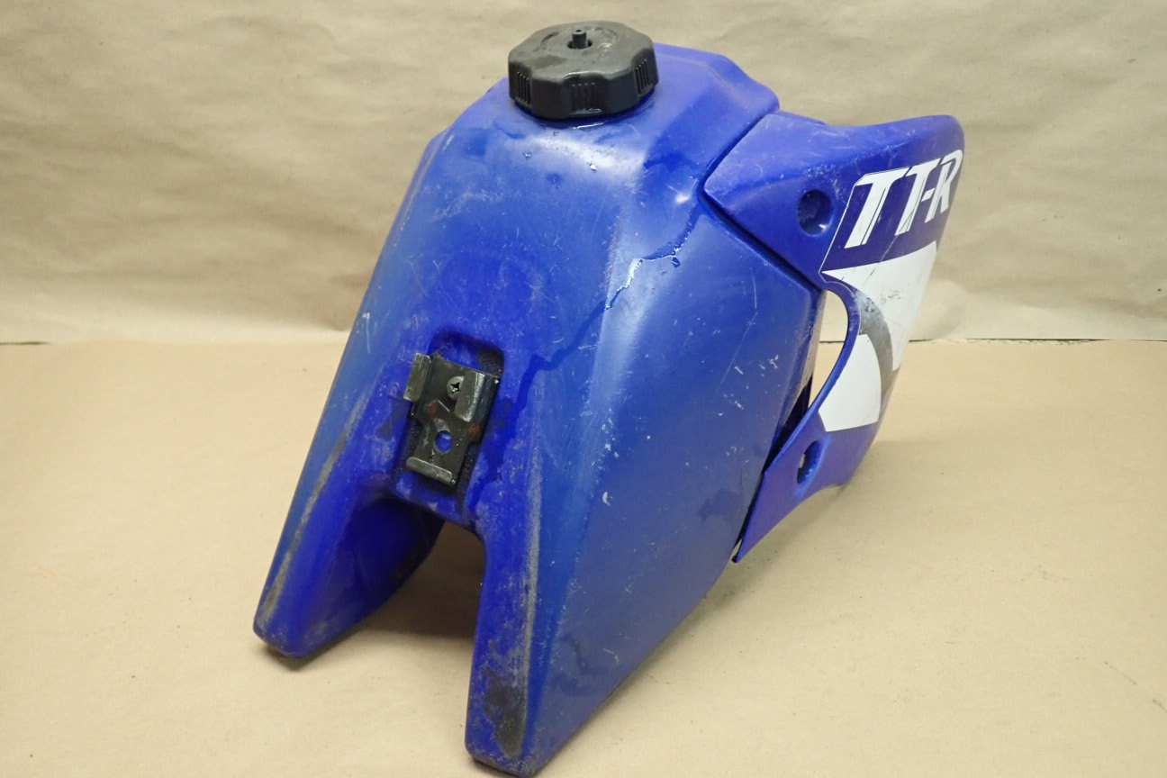 2002 YAMAHA TTR90 GAS TANK plastic and other Used Motorcycle Parts